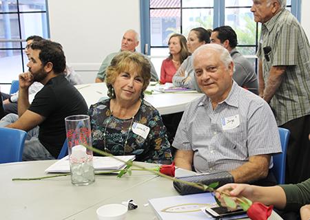 Jorge y Estrella Álvarez son voluntarios de Camino del Matrimonio hace 30 años. Jorge dice que su trabajo en el programa pre matrimonial ha fortalecido también su matrimonio.