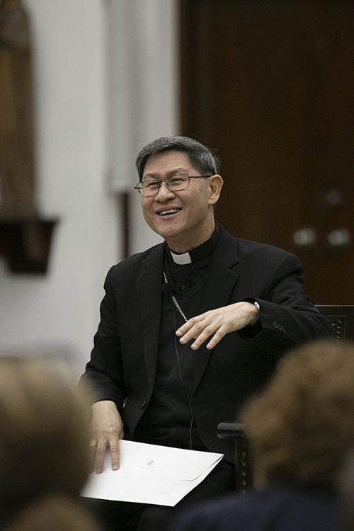 El Cardenal Luis Antonio Tagle de Manila imparte la 19ª conferencia anual Fides et Ratio, en el Seminario St. John Vianney, en Miami, el 22 de marzo de 2019.