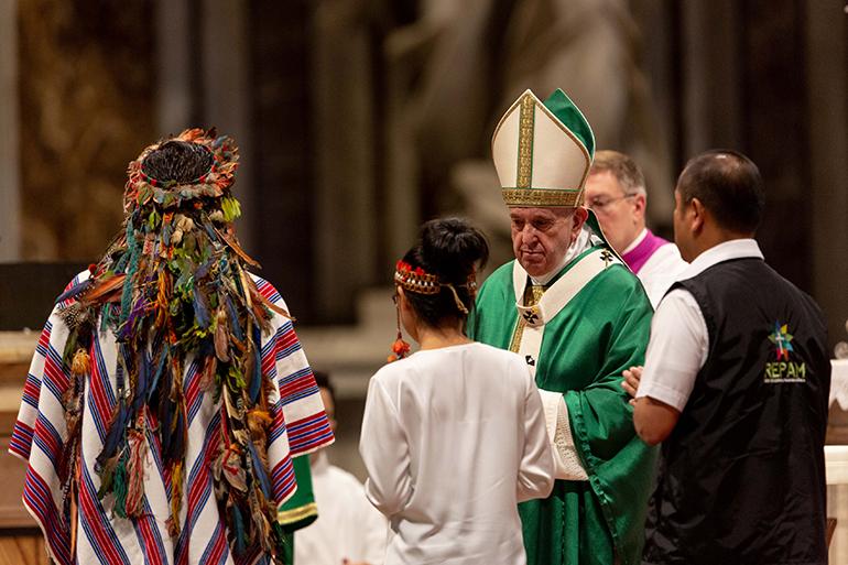 El Papa Francisco celebró la Misa de clausura del Sínodo de Obispos por la región de la Amazonía, el 27 de octubre de 2019, en la Basílica de San Pedro.