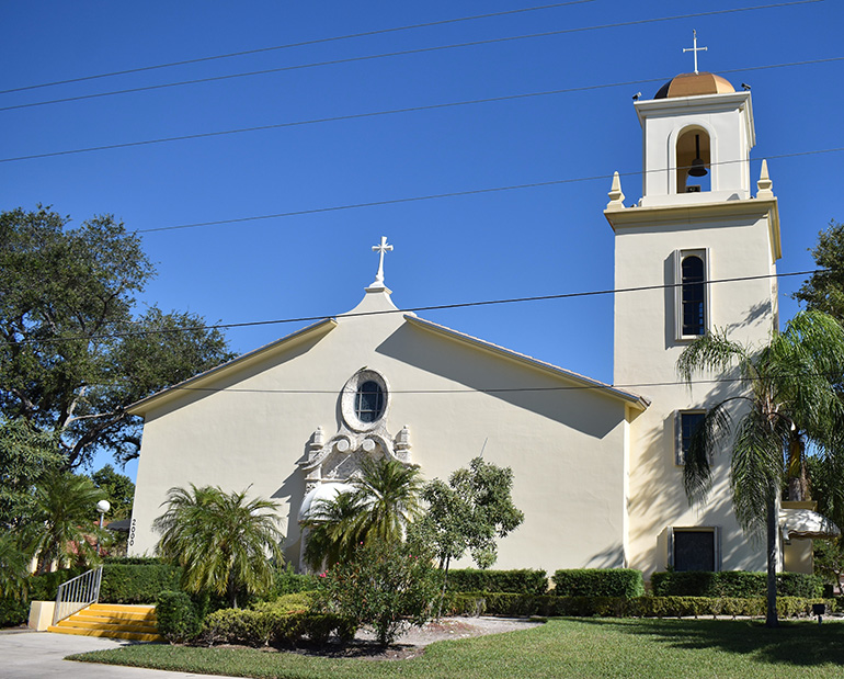 The architecture of St. Sebastian Church in Fort Lauderdale adopts a slimmed-down Mediterranean style.