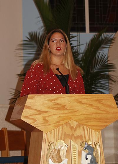 """María Ángela Alfonzo, una joven """"soñadora"""" que llegó de su natal Venezuela a los 4 años de edad, durante la vigilia de oración por los jóvenes de DACA, dijo que """"los soñadores deberían recibir la ciudadanía porque 'ellos crecieron aquí, igual que los demás'""""."""