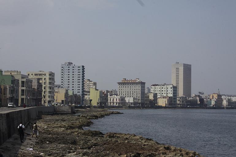 Fotografía de archivo del Malecón de La Habana de septiembre de 2015.