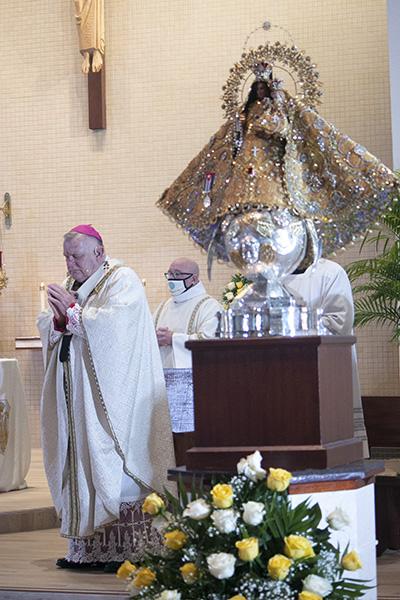 El arzobispo Thomas Wenski fue el principal celebrante y homilista de la celebración anual de la fiesta de Nuestra Señora de la Caridad, el 8 de septiembre de 2020, que debido a la pandemia COVID-19 tuvo lugar en la iglesia de St. Michael en Miami con una asistencia reducida y socialmente distante.
