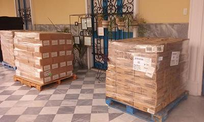 Algunos de los alimentos enviados desde Miami se ven aqui en el hogar de ancianos Santovenia en La Habana, Cuba.
