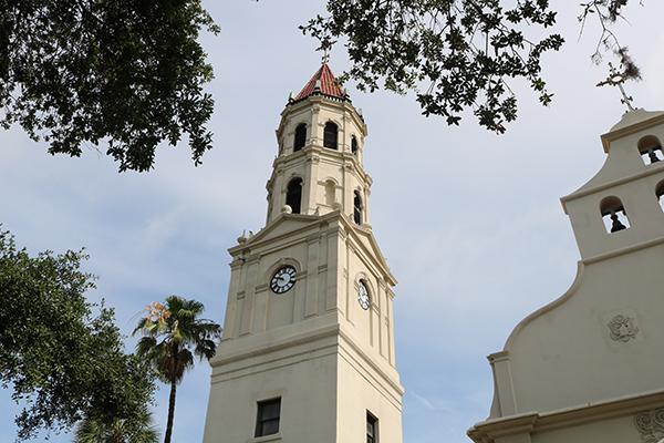 La Catedral Basílica de San Agustín se encuentra en el corazón de la ciudad y es visitada por personas de todo el mundo. Es la comunidad de fe católica activa más antigua de los Estados Unidos, fundada en 1565.