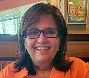 """Otilia Penczak, especialista en planes de estudio del Centro de Desarrollo Infantil Good Shepherd de Catholic Charities en Cutler Bay, recibió el premio """"Empleada del Año Above & Beyond Outstanding- Coordinadora de Educación"""" del programa Head Start/Early Head Start del condado de Miami-Dade."""