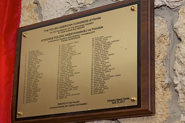 A close-up of the plaque that lists all 96 victims of the Polish Air Force Tu-154 crash that occurred April 10, 2010.