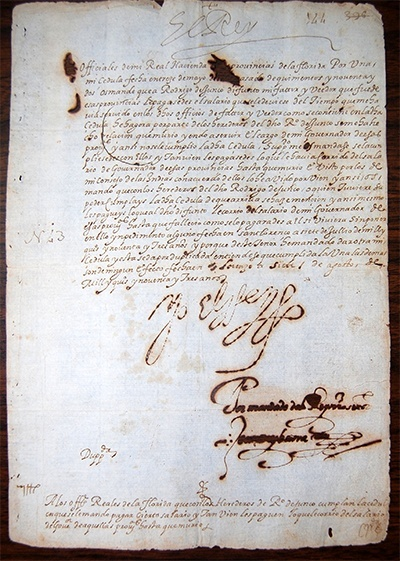 Image of a 1593 letter from King Philip II to a high official in Florida.