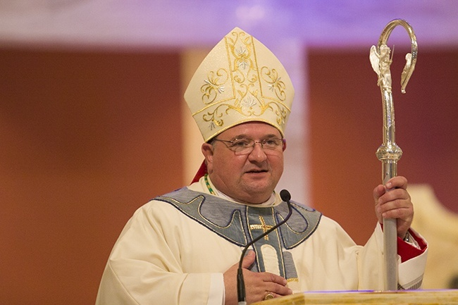 Bishop Peter Baldacchino thanks those who have come to his ordination, adding:
