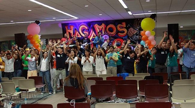 Jóvenes de distintas parroquias de la Arquidiócesis de Miami, participantes del Primer Congreso Juvenil Lío, además de recibir charlas de orientación, bailaron, cantaron y se divirtieron.