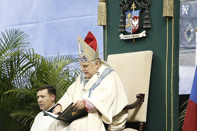 Archbishop Thomas Wenski delivers his remarks at the conclusion of the Mass.