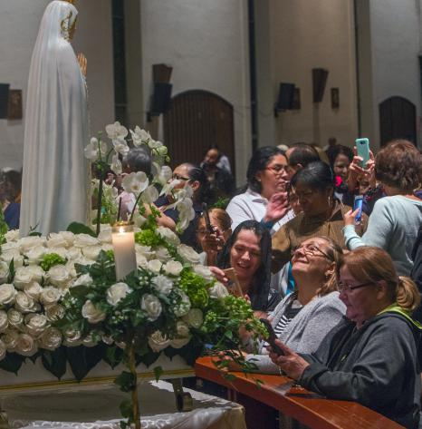 ADOM :: Hundreds gather to remember Fatima shepherds